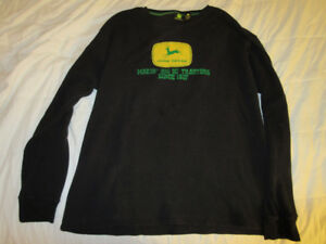 John Deer black pullover, men`s large
