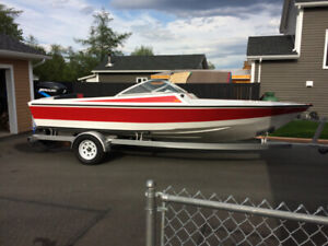FOR SALE 20 FT POWER BOAT