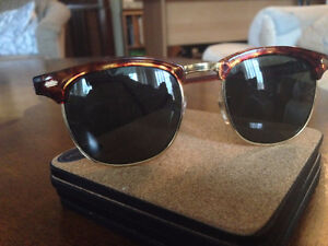 HARD ROCK CAFE SUNGLASSES