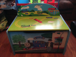 Thoms the Train Beautiful Bench/Stoage box
