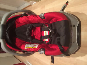 Graco Infant Car Seat with Jolly Jumper Cover
