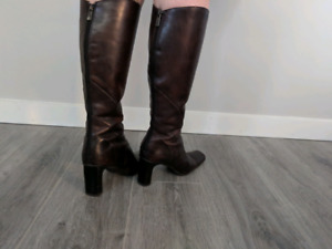 Sz 9-10 genuine leather boots