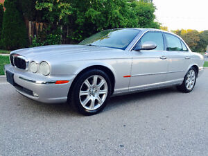 2004 JAQUAR XJ8, SILVER ON TAN LEATHER INTERIOR, COLD AIR!!
