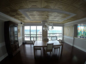 Luxury penthouse suite w/panoramic views *UTILITIES&PARKING INCL