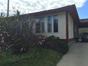 Beautiful semi-detached bungalow in Canyon Meadows