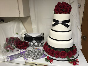 ARTIFICIAL WEDING CAKE AND LETTER BOX AND ACCESSORIES Sarnia Sarnia Area image 2