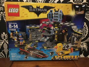 LEGO The Batman Movie, Set 70909 Batcave Break-In, 1047 pieces
