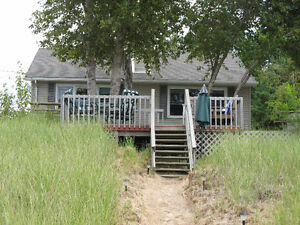 FAMILY COTTAGE AT IPPERWASH BEACH SEPT VACANCY