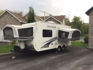 2012 Jayco Jay Feather Ultra LT Hybrid Travel Trailer 18'