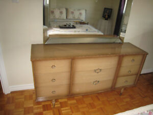 Bedroom set Retro/Classic 4PC set.