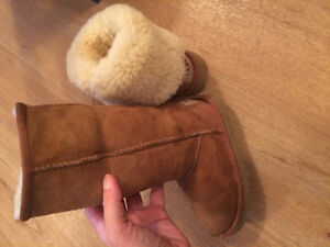 Uggs toddler size 8