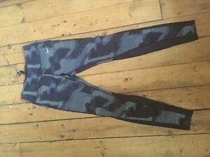Women's Dri- Fit Nike Running leggings Kingston Kingston Area image 1