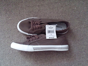 Brand new shoes nwt size 9