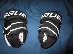 Bauer hockey gloves size 11