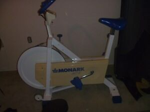 MONARCH UPRITE EXERCISE BIKE
