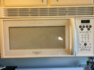 Frigidaire built in microwave