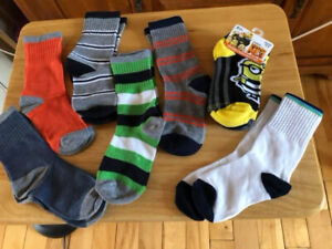 BRAND NEW!!  Kids socks - Size 11-2