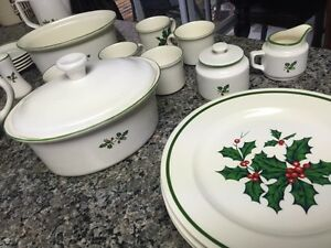 Christmas Dishes - great set Cambridge Kitchener Area image 6