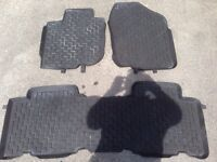 Rubber floor mats for 2006+ RAV4