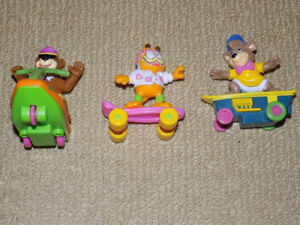 3 MIXED TOY FIGURES LOT, MCDONALDS 1988 GARFIELD, 1992 YOGI BEAR