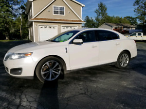 Immaculate 2012 Lincoln MKS