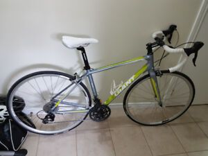 Liv/giant avail 3 road bike for sale