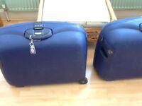 2 Samsonite hard suitcases, blue