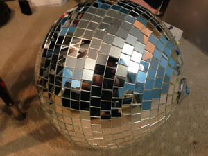 20-Inch Glass Mirror Ball and Heavy-Duty Road Case London Ontario image 2