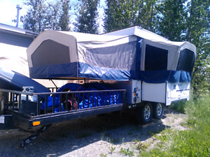 2008 Flagstaff 28' tent trailer with toy deck,off road series