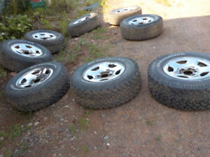 Several sets of 2 and 4 winter tires for SUV and small trucks