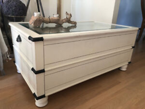 COFFEE TABLE - AMAZING WHITE SOLID WOOD WITH GLASS TOP