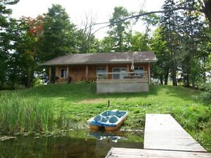 Quiet Lakeside Cottage Available Year Round!