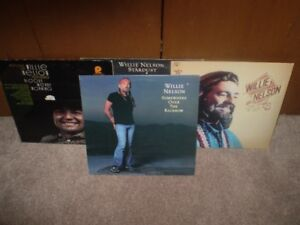 4 - WILLIE NELSON L/P VINYL ALBUMS In Good Condition