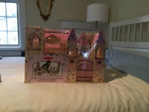 BNWT Melissa and Doug Castle and Doll Set
