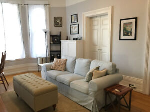 Bright 1 Bedroom Apartment in the Heart of Cobourg