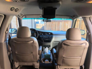 Setting 2004 Honda Odyssey lady driven