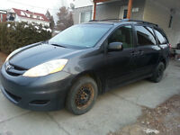 2007 Toyota Sienna 8 places Familiale