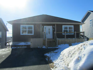 OPEN HOUSE Sunday March 19 2-4pm! Beautiful Bunaglow in Paradise