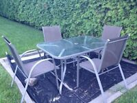 Table patio 4 chaises