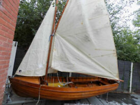 SAILING BOAT WOODEN CLINKER DINGHY& TRAILER SWALLOWS AND AMAZONS,TIDEWAY STYLE