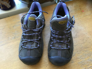 WOMEN'S TARGHEE II WATERPROOF. NEW