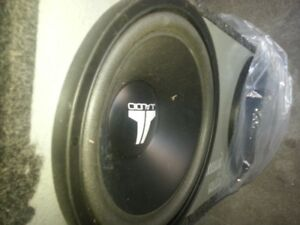 jl audio subwoofers with the custome box. 12 inch