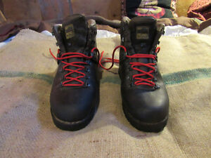 Meindl Ortler, leather hiking boots.almost new! Made in Germany!