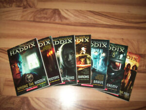 Various youth book sets