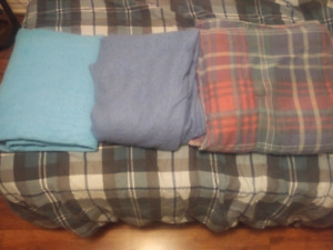 1 comforter, 2 blankets - good for cottage/camp