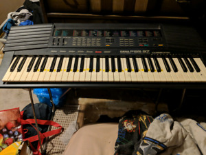 Yamaha PSR-37 with power brick
