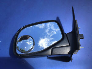 1999 Ford Ranger drivers side manual mirror