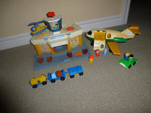 Vintage Fisher Price Little People Airport #2502