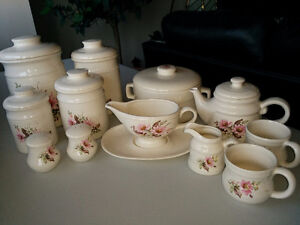 Stoneware - Canisters, gravy boat, teapot & cups etc Kitchener / Waterloo Kitchener Area image 6