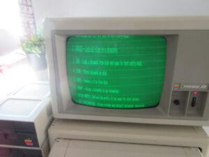 Vintage Apple IIe Computer 1982-84ish
